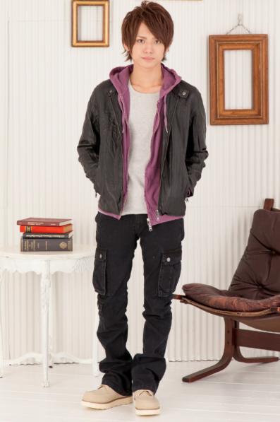 PUシングルライダースジャケット×加工Zipパーカー×フライスUネック長袖Tシャツ×美シルエットブラックカーゴパンツ(4点セット)