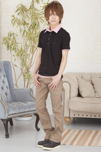 ストライプ衿ポロシャツ×スキニーブーツカットパンツ
