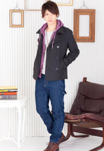 Pコート×パーカー×Uネック長袖Tシャツ×ネイビーパンツ(4点セット)