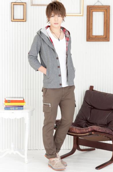 七分袖パーカー×Uネック半袖T×タイトカーゴパンツ(3点セット)