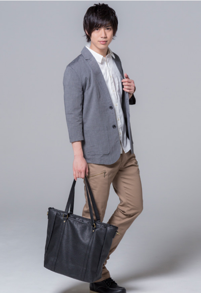 シャンブレージャケット×7分袖ブロードシャツ ×半袖無地T×チノパンツ