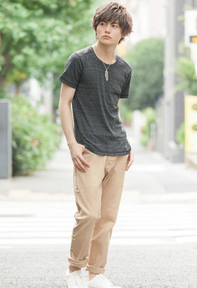 Uネック半袖Tシャツ×デニムアンクルパンツ(2点セット)